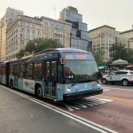 曼哈頓14街公車道啟用半月 時速升 客流增