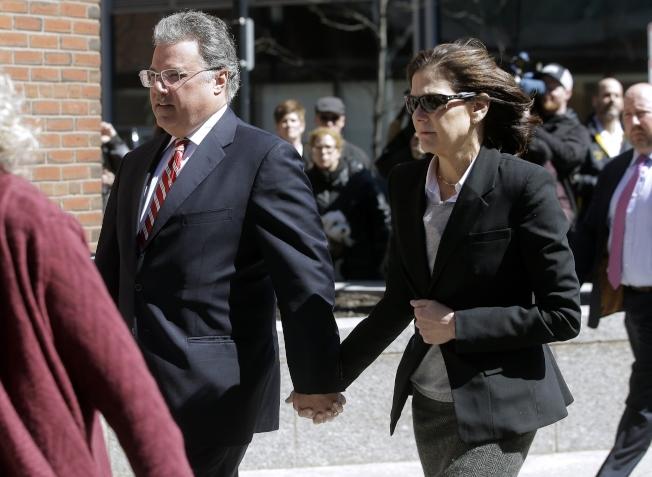 又有四名家長對花錢賄賂,以把子女送進著名大學認罪,包括曾任海格資本公司執行長的恩瑞格斯與妻子伊莉莎白。(美聯社)
