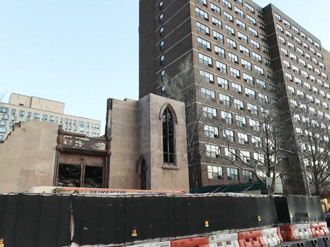 事故地原規畫建設新樓,做為「康寧大廈」的延伸建築。(本報檔案照)