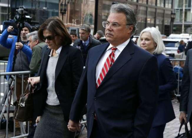 行賄助女兒入學,原本不認罪的韓利奎茲夫婦已雙雙改口認罪。(Getty Images)