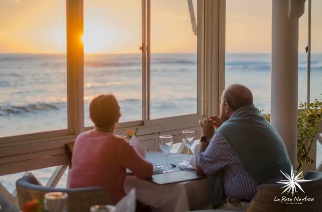 祕魯海玫瑰餐廳因男女顧客菜單不同而被控歧視。取自臉書(@larosanauticarestaurante)