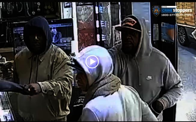 涉嫌在布碌崙連續搶劫的嫌犯。(市警總局提供)
