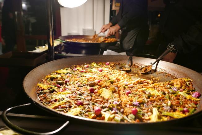 當晚餐廳大廚José Andrés為精選酒單特製一系列美食。(記者李雪/攝影)
