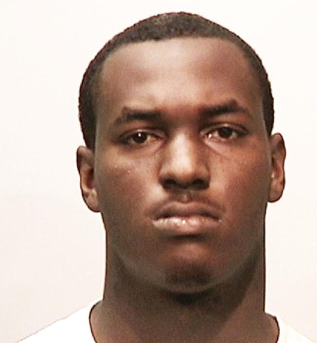涉嫌在華埠暴力搶劫攻擊兩黃氏僑領的19歲非裔青年彼爾森。(舊金山警局提供)