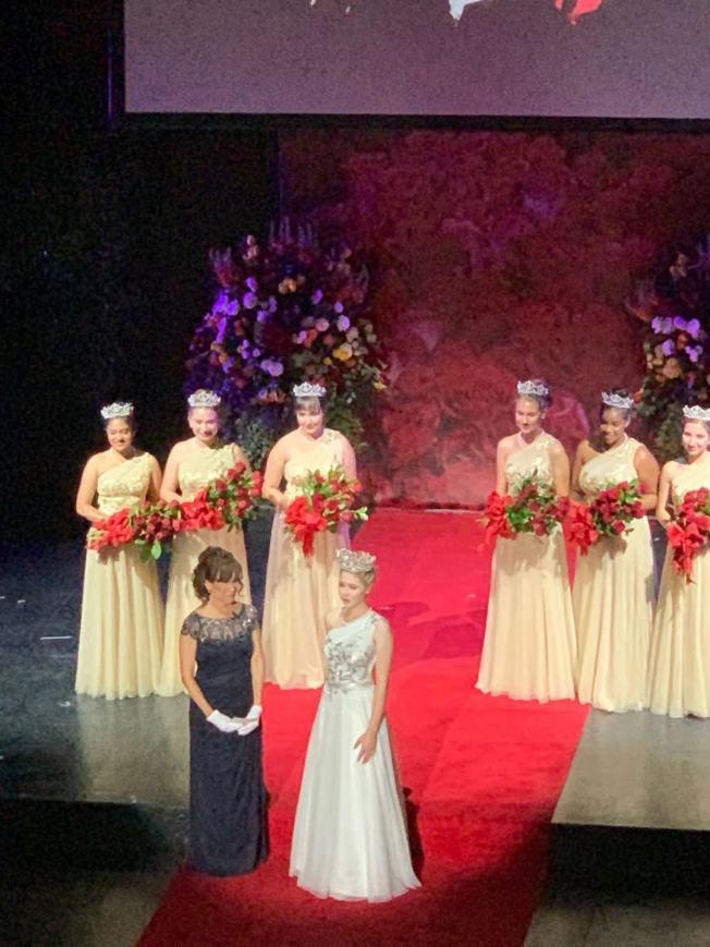2020年玫瑰大遊行的玫瑰皇后22日晚出爐了。(記者陳開╱攝影)