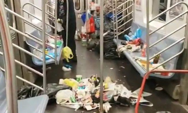 美國紐約工會「TWU Local 100」為了抗議79名地鐵清潔隊員遭裁員,近日特別舉辦一場名為「垃圾列車」的攝影比賽,鼓勵上下班通勤的紐約民眾,把乘坐過最骯髒的地鐵車廂拍下來,頭獎將獲得500美元的獎金。TrainTrash/Tyree