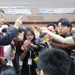 堅持陳同佳案沒轉彎 台內政部長嗆記者講話客氣一點