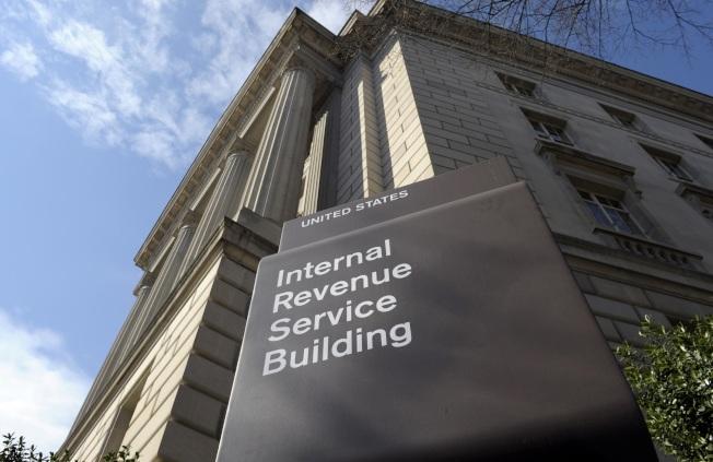 長輩將房屋過繼給孩子,要先了解國稅局相關稅務規定。(美聯社)
