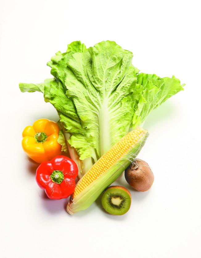 營養師建議,先吃蔬菜再吃肉較不會過量。(圖:國健署提供)