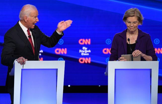不同民調顯示民主黨總統參選人前副總統白登(左)和麻州國會參議員伊麗莎白‧華倫(右)的民調互有領先,凸顯選情仍然混沌不明。(Getty Images)