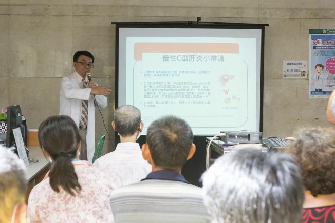 賴俊宏醫師呼籲患者C肝患者及早治療預防失智。(圖:台灣二林基督教醫院提供)