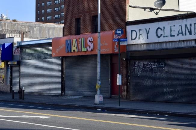 案發的美甲店至今未開門。(記者顏潔恩/攝影)