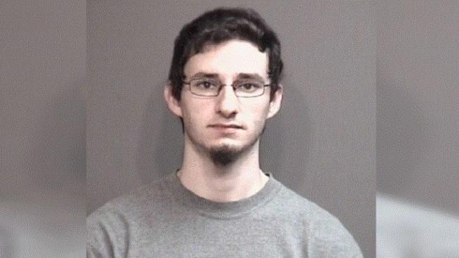 23歲的艾立吉因虐童罪,遭逮捕入獄。(哥市警局)