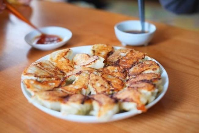 簡單的麵粉水,讓水餃變煎餃、鍋貼。 圖片提供/台灣好食材(來源/zh-tw.photo-ac.com)