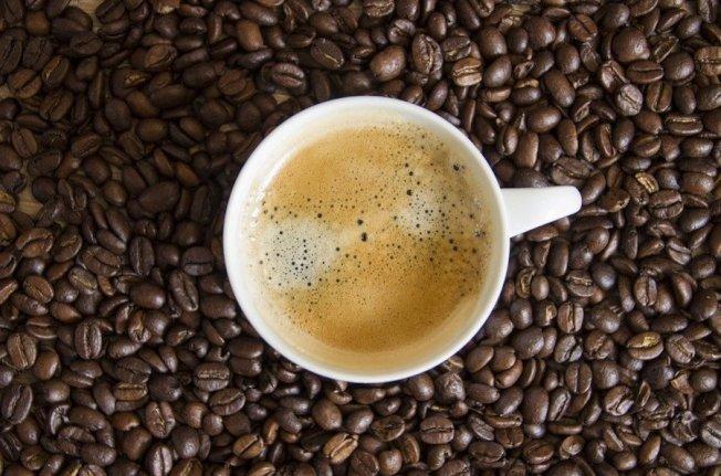 許多權威實驗證明,咖啡能提高人體基礎代謝率3%~11%。 圖/Pixabay