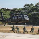 陸軍黑鷹成軍 作戰、救援升級