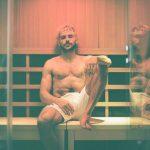 柴克艾福隆做蒸氣浴 粉絲猜褲頭玄機
