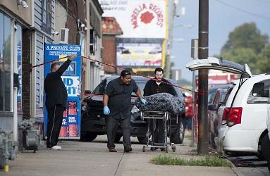 堪薩斯州酒吧6日深夜遭掃射,造成4死5傷。(美聯社)