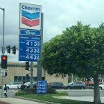 加州油價狠貴 州長要查神秘附加費