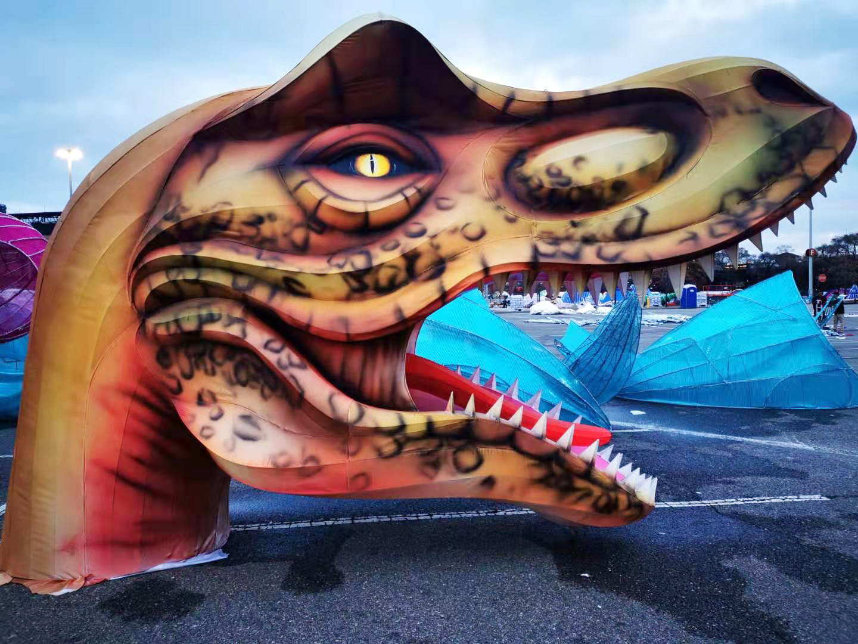「探秘區」 的恐龍世界燈組,將是最浩大的彩燈項目之一,也是所有大小朋友最引頸其盼的燈組。(中演北美公司/提供)