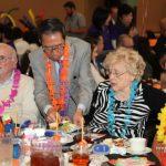 西聖谷YMCA擴建籌款 周本立客串侍應生