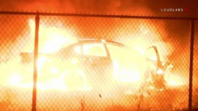 嫌犯所開的車因不明原因起火燃燒,釀成朱魯帕谷的46大火。(Loudlabs)