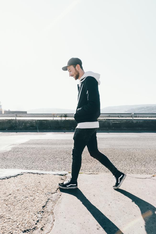 散步走路有改善心情的效果。(取材自stocksnap)