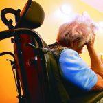 研究:年長文盲患失智症機率 為一般長者2倍