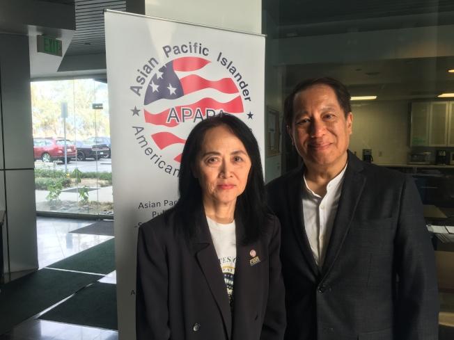 亞太聯盟南加主席黃福蓬(右)、南加總會洛杉磯分會會長黃元瑄(左)。(記者謝雨珊/攝影)