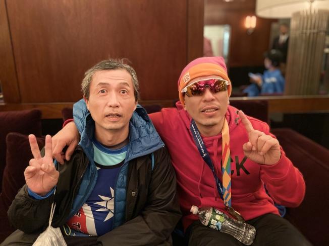 盲人按摩師周志柔(左)及周坤芳。(記者鄭怡嫣/攝影)