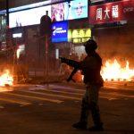 赫見土製炸彈、爆裂物…香港示威武器升級