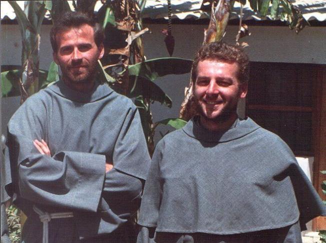 1991年8月9日犧牲在秘魯兩位波蘭宣教士,右邊是湯瑪斯扎克(Michał Tomaszek ),左邊是斯塔科斯基(Zbigniew Adam Strzałkowski )。(作者提供)