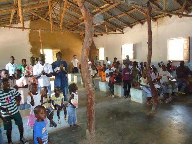 艾達牧師團隊在島上建立的第一所教會。(作者提供)