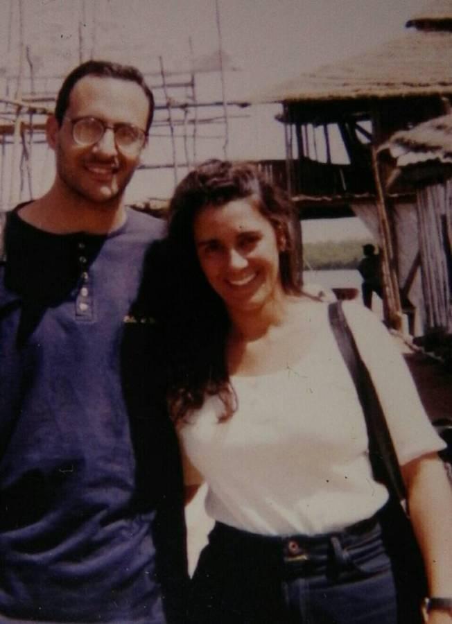 艾達和露絲1995年在非洲岡比亞度新婚蜜月。(作者提供)