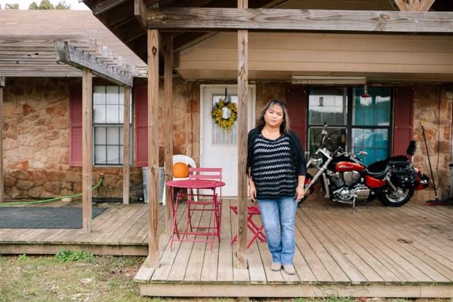 密西西比州居民維拉斯科的收入無法負擔治療第二型糖尿病的費用,她時薪13.5元也高出申請白卡的資格;糖尿病多年未治療,使她今年5月被宣告失明。(NBC電視台截圖)