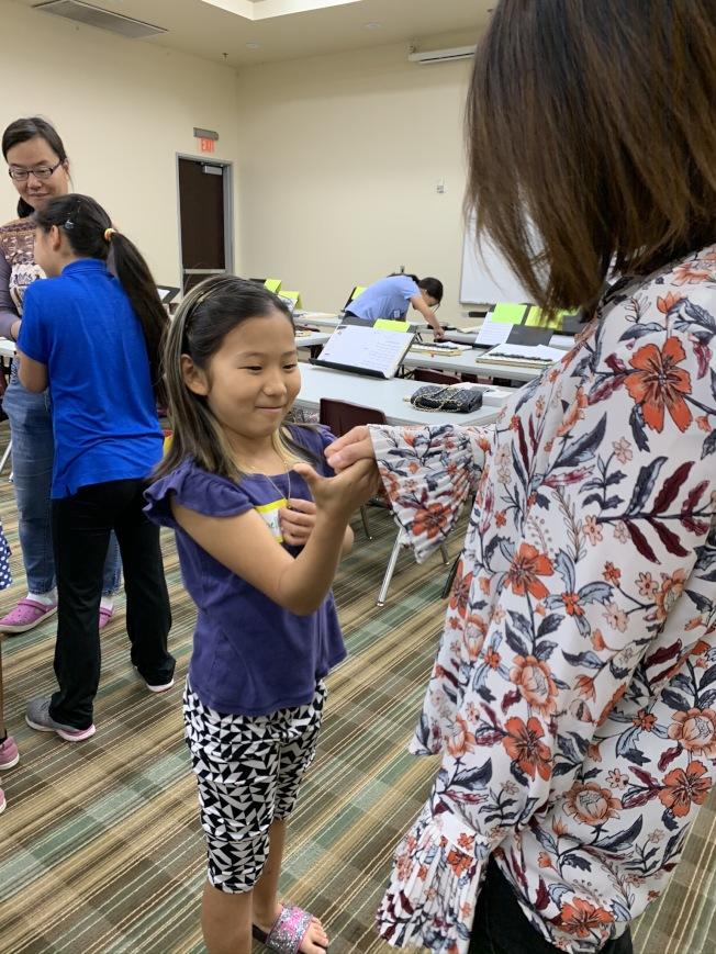 圓夢親子樂團舉辦促進親子關係的音樂特訓營。(南海岸中華文化中心提供)