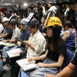 記者戴頭盔出席 港警趕人不成 取消記者會