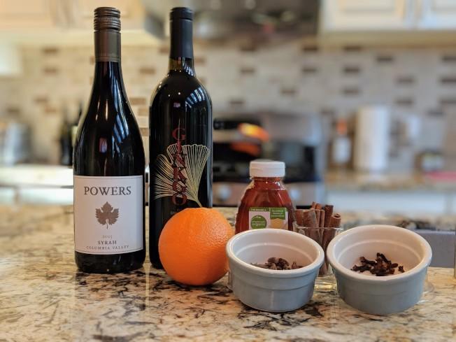 西雅圖將迎來寒冬,有些民眾會喝葡萄酒禦寒。(Jenny 張/提供)