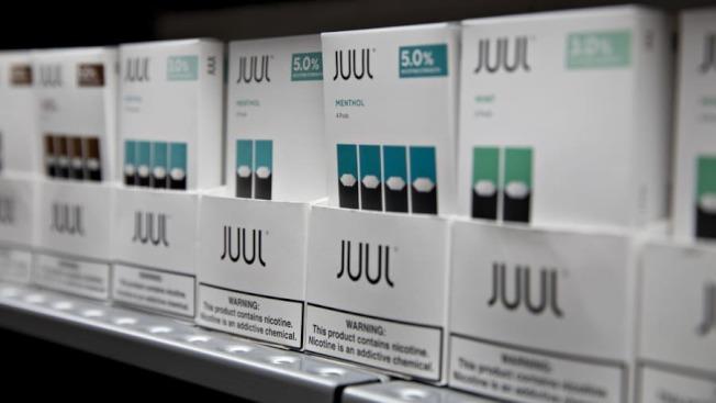 Juul牌子的電子菸市場占有率達72%;這家電子菸公司創辦於2015年,雇員1500人,總部設在舊金山,2018年收入達20億元。(美聯社)
