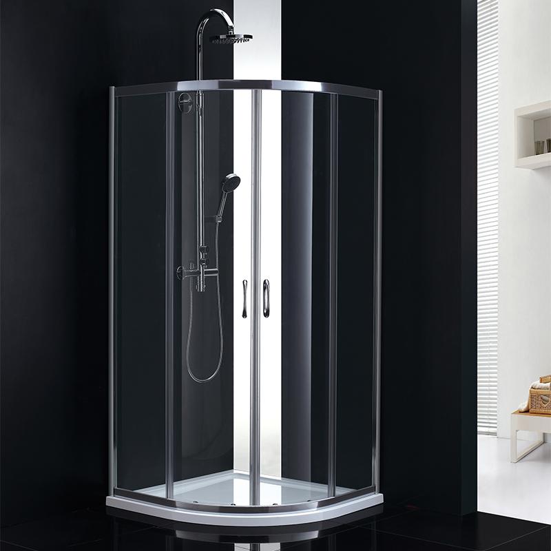宇高有各種淋浴拉門及獨立式浴缸。獨立式浴缸由丙烯酸(亞克力)和玻璃纖維製成,符合政府認證,安全有保障。(記者封昌明╱攝影)