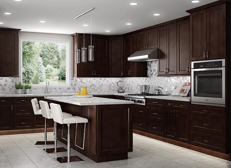 宇高建材的廚房用品一應俱全,對想重新裝修的家庭提供一站式服務。(記者封昌明╱攝影)