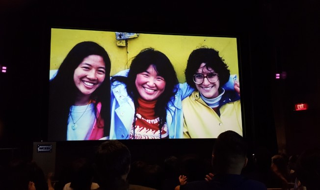 慶祝晚會播放影片,展示波士頓龍舟節的三位創辦人。(記者唐嘉麗/攝影)