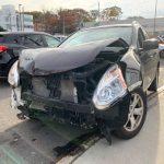 清晨開車撞電線桿 華裔女駕駛車毀人傷