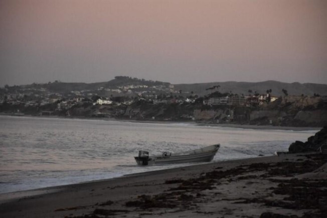 偷渡者乘坐的Panga漁船。(CBP 提供)