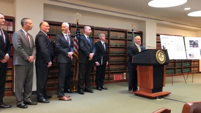 紐約聯邦東區檢察官辦公室7日宣布,Aventura科技公司及其七名高管涉嫌非法進口中國產品,再貼上美國製造的標籤出售給美國政府。(記者顏潔恩/攝影)