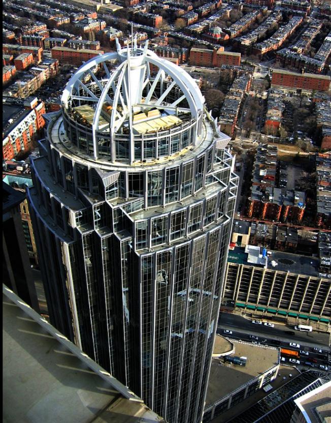 2002年建成的111 Huntington Ave. 大樓554呎,是波城第十高樓。(取自維基百科)