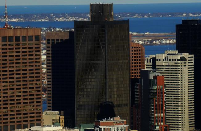位於金融中心的One Boston Place  是波士頓第六高摩天大樓。(取自維基百科)