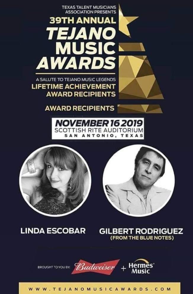 吉伯特羅德里格茲(圓圖右)獲得德哈諾音樂獎終身成就獎。(音樂獎海報)