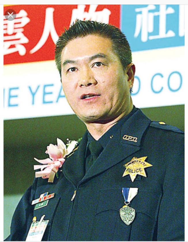 被聯邦司法部控告貪汙罪名的屋崙警員前華警胡威明。(本報檔案照片)