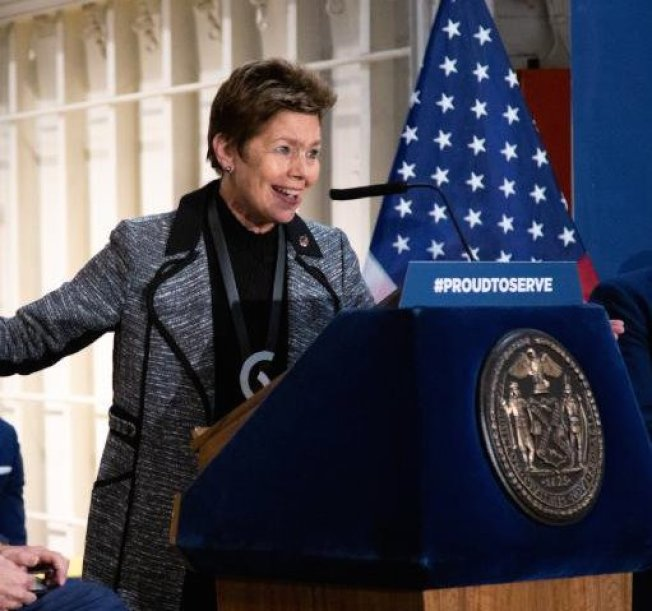 薩頓(Loree Sutton)宣布將參選2021年紐約市長。(取自退伍軍人服務局官方推特)